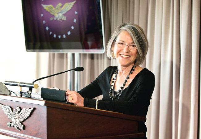 अमेरिकी कवि ग्लूक को मिला 2020 साहित्य का नोबेल पुरस्कार