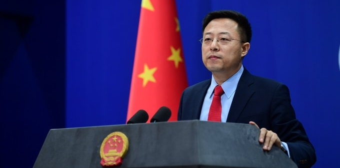 चीन ने हांगकांग के लोगों को नागरिकता देने की पेशकश पर ब्रिटेन को दी चेतावनी