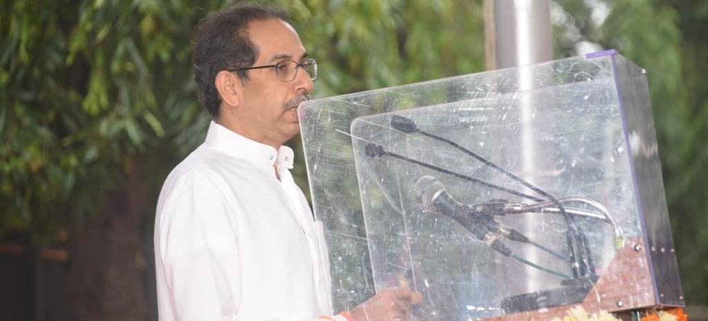 जंगलों को बचाने मुंबई मेट्रो का कार-शेड स्थानांतरित किया जाएगा : मुख्यमंत्री
