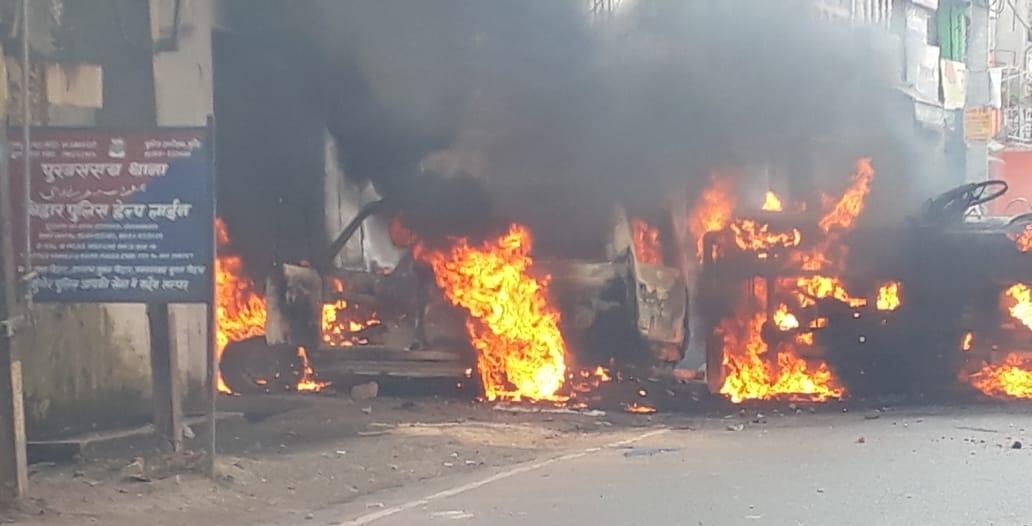 बिहार: मुंगेर में हिंसा के बाद डीएम, एसपी नपे, आयुक्त करेंगे हिंसा की जांच