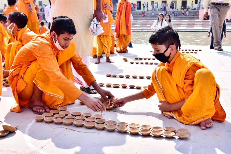 अयोध्या के दीपोत्सव में बिखरेगी सामाजिक सरोकार की छटा