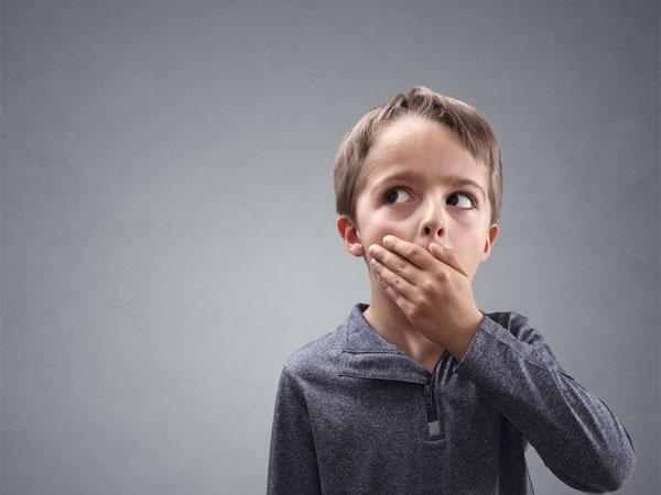 पेरेंट्स की ये 5 आदतें बच्चों से बुलवाती हैं झूठ