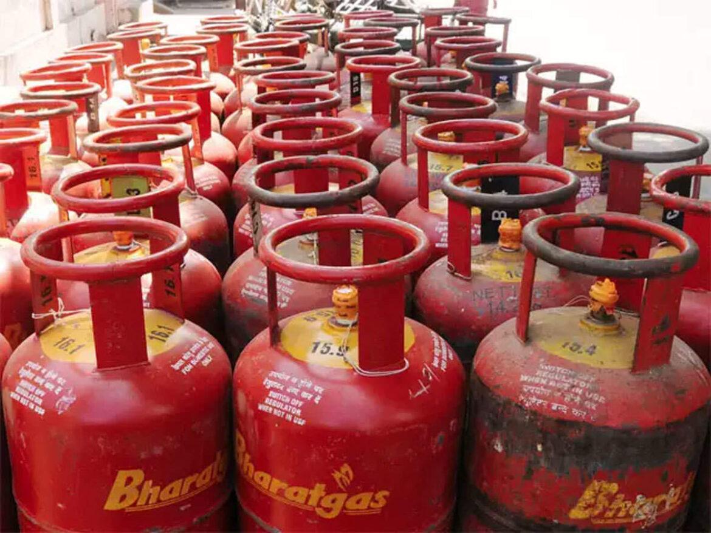 आम आदमी को राहत: LPG गैस सिलेंडर की कीमतों में नहीं हुआ बदलाव