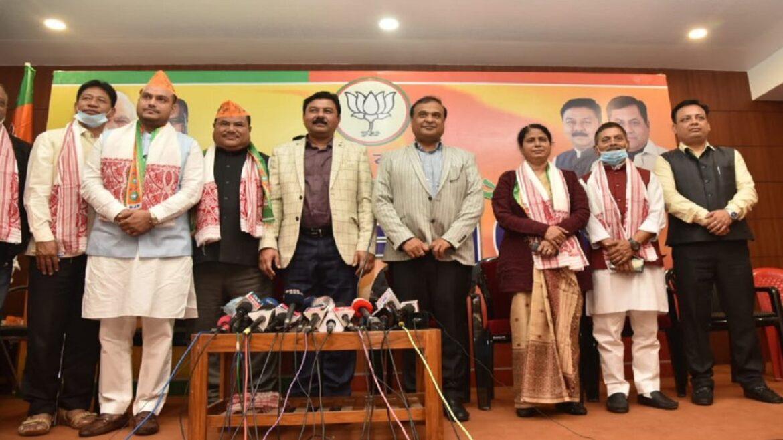 असम : कांग्रेस के 2 विधायक, बीपीएफ के 1 नेता भाजपा में शामिल