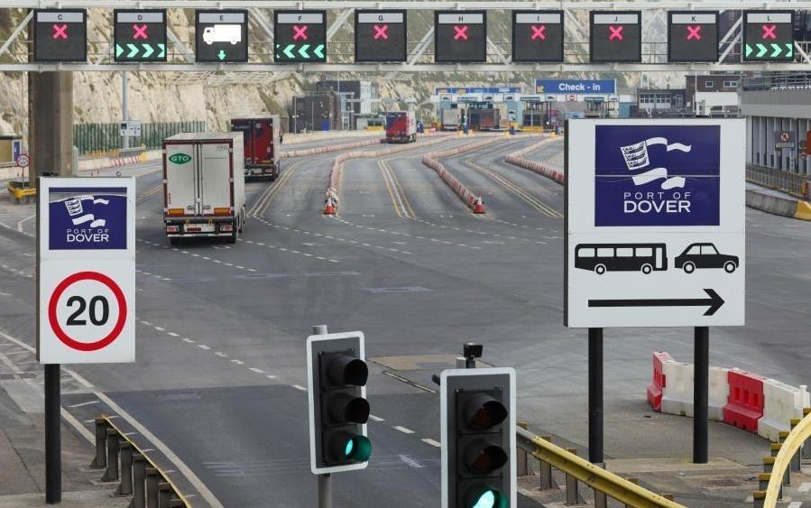 ब्रिटेन से लगने वाली फ्रांस की सीमा बंद रहेगी : प्रधानमंत्री