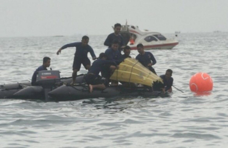 इंडोनेशियाई अधिकारियों का दावा, दुर्घटनाग्रस्त विमान का ब्लैक बॉक्स लोकेट किया गया