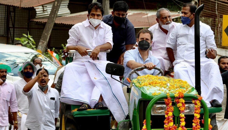 केरल के वायनाड में राहुल गांधी की रैली में उमड़ी भारी भीड़