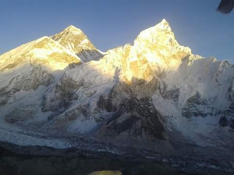 नेपाल के अधिकारियों ने पर्वतारोहियों के कोविड संक्रमित होने के दावों को खारिज किया
