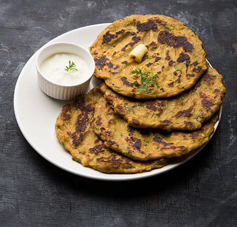 आज ट्राई करें महाराष्ट्र की मशहूर डिश Thalipeeth