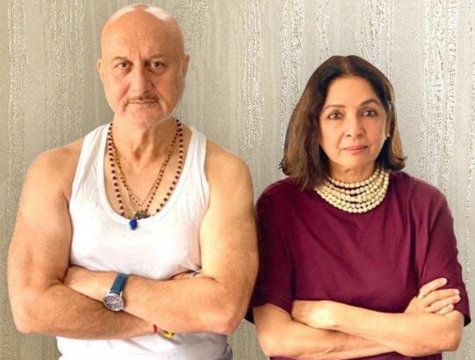 अनुपम खेर, नीना गुप्ता ने शेयर किया 'शिव शास्त्री बाल्बोआ' का फस्र्ट लुक