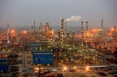 बरौनी तेल रिफाइनरी में विस्फोट में 15 घायल, 8 की हालत गंभीर
