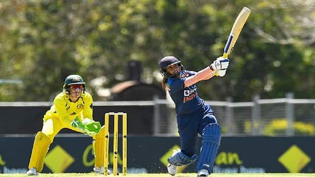 INDW vs AUSW: भारत ने रोका ऑस्ट्रेलिया का विजय रथ, तीसरे वनडे में टीम इंडिया ने दो विकेट से हराया