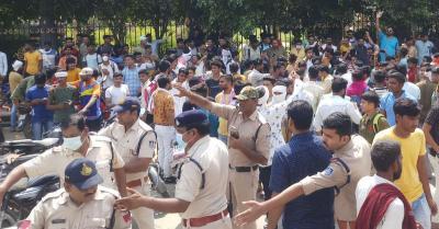 सम्राट मिहिर भोज की जाति पर विवाद: गुर्जर और क्षत्रियों के बीच बवाल के बाद मुरैना में स्कूल-कॉलेज बंद किए गए