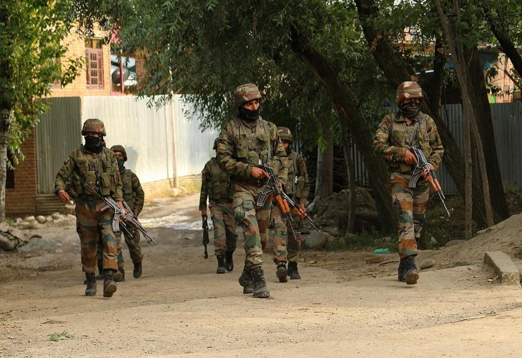 कश्मीर मुठभेड़ में मारा गया शीर्ष जैश-ए-मोहम्मद कमांडर